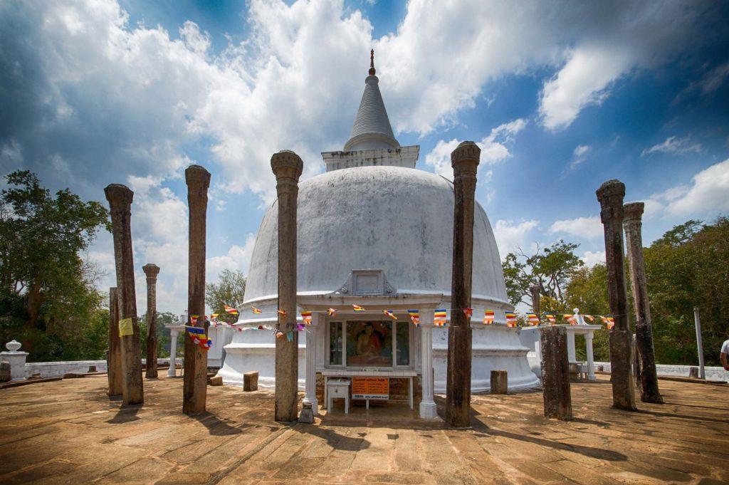 Шри Ланка дагоба