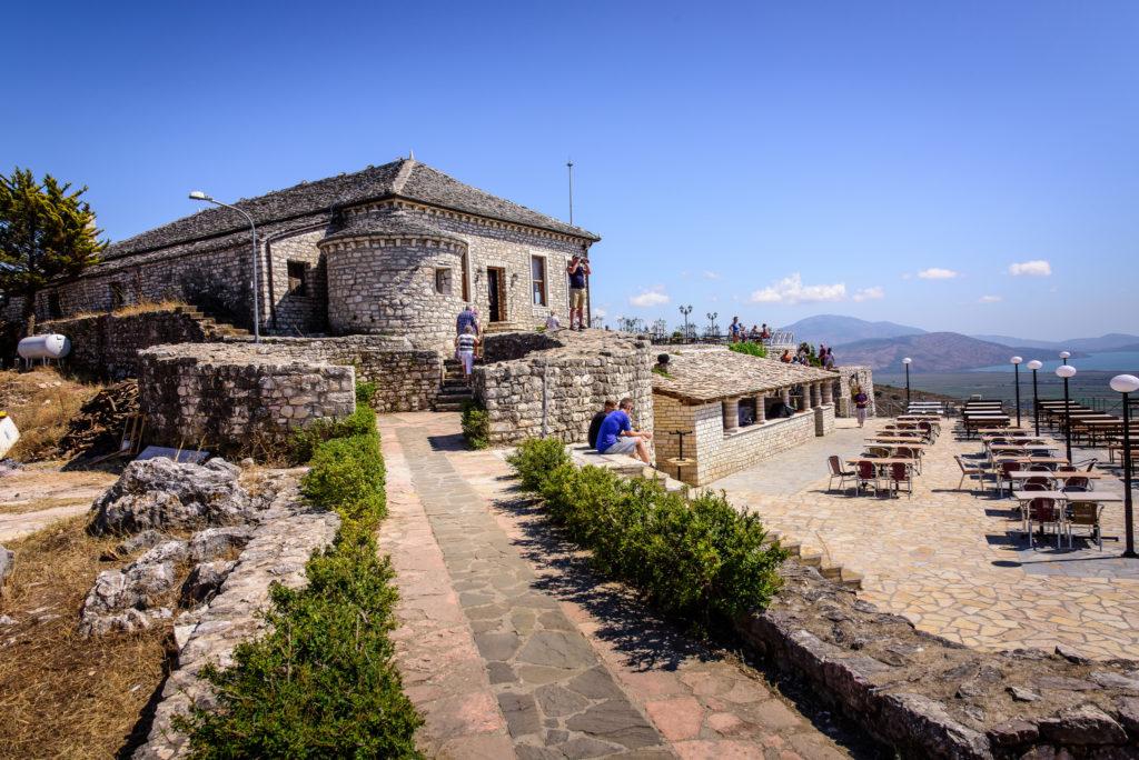 Албания замок ликурес
